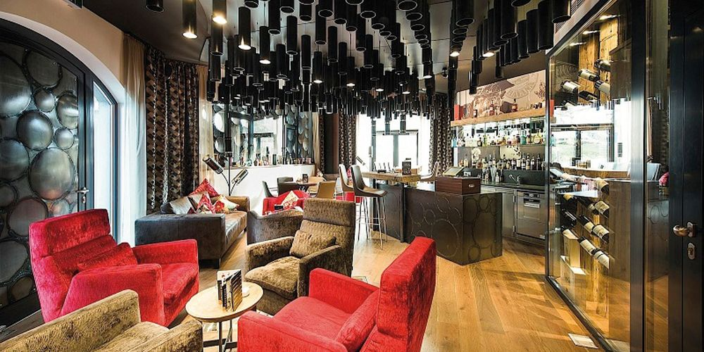 Extravagantes Interieur in der Lions Lounge in Leogang